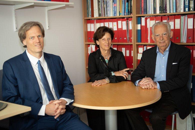 Per Svenningsson tillsammans med representanter från Nordstjernan Holding AB och Axel Johnson Gruppen.
